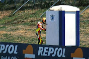 Valentino Rossi's story 'In disarray' Find a Toilet in the Jerez Circuit (MotoGP Flashback)