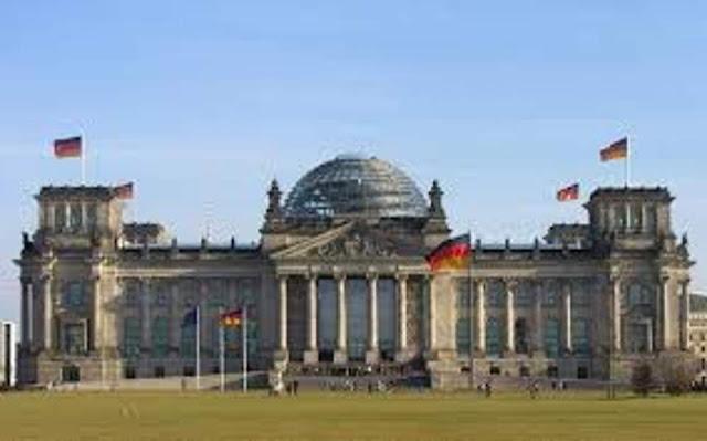 Βερολίνο: Το ζήτημα των πολεμικών αποζημιώσεων «έχει πολιτικά και νομικά οριστικά διευθετηθεί»