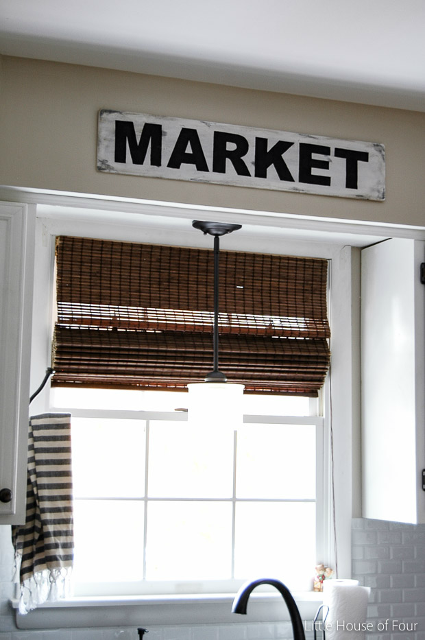 Easy farmhouse market sign