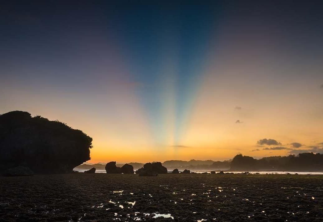 Sunrise Pantai Ngandong
