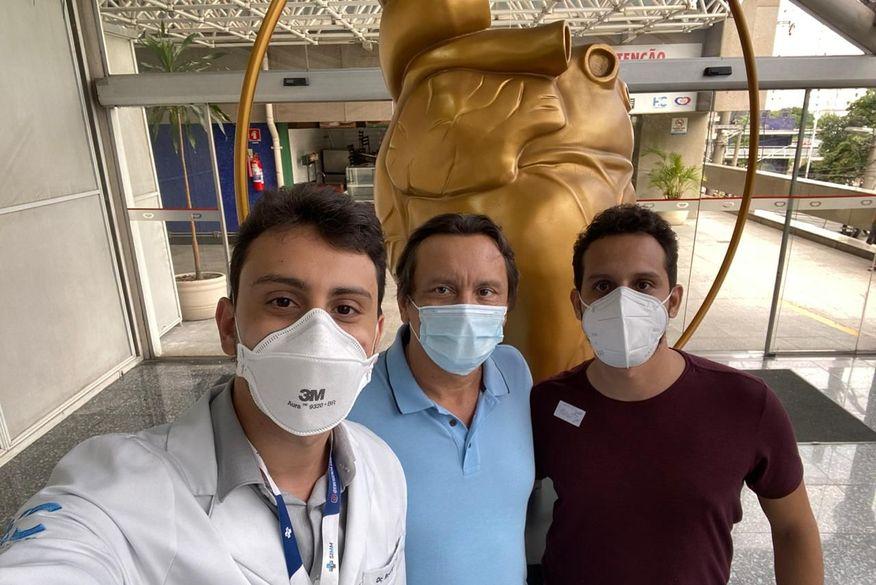 Prefeito de Brejo do Cruz, Francisco Dutra, recebe alta do Hospital das Clínicas após se curar da Covid-19