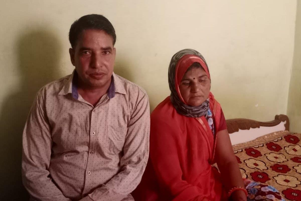 दावा: राजस्थान के दौसा की इस महिला को 10 मिनट के अंदर लगे वैक्सीन के दो डोज, जानिए कैसे?