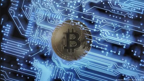 Harga Bitcoin Ambyar ke Level Rp 700 Juta! Ternyata Gara-gara Ini
