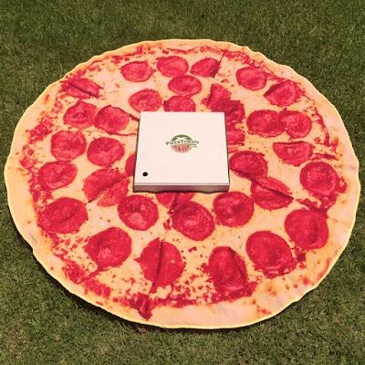 Toalla redonda en forma de pizza gigante