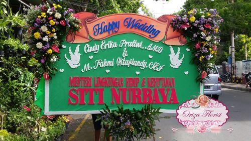 pesan bunga papan surabaya, jual papan bunga surabaya, karangan bunga papan di surabaya