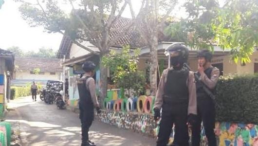 Densus 88 Tangkap Terduga Teroris di Magetan