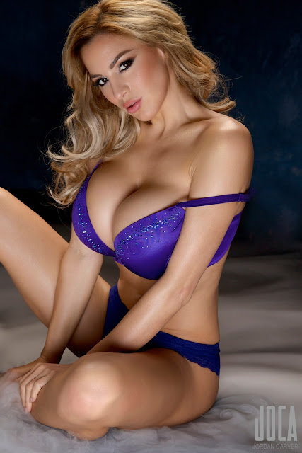 Jordan-Carver-WWL-Photo-Shoot-in-Hot-Blue-Bikini-HD-Picture-14