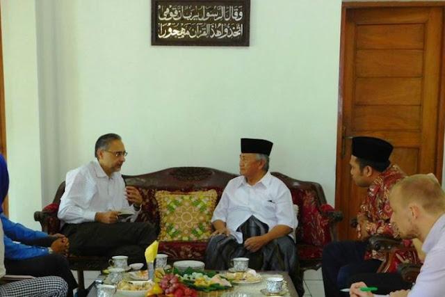 Menaker Sebut KH Mahfudz Ridwan adalah Gus Dur-nya Jawatengah karena Istiqomah membela yang Lemah