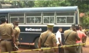 7-killed-in-attack-on-a-prison-van-in-Sri-Lanka
