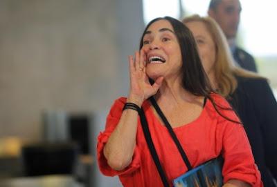 Regina Duarte quer pacificação no setor cultural
