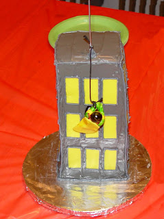 Robin Climbing Building Cake - Side View