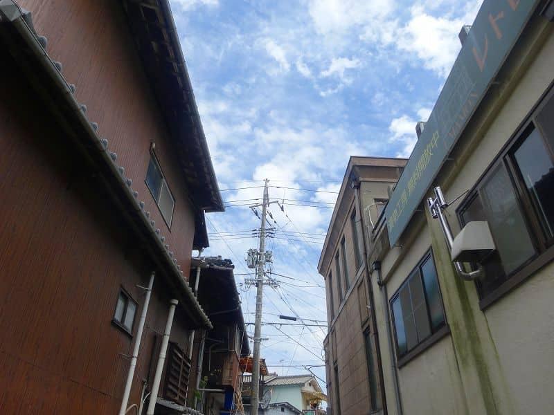 錦帯橋から少し道を外れて、登富町商店街というところを通って移動。