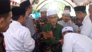 KH. M. Aniq Muhammadun Menjawab Persoalan Fiqih Masjid