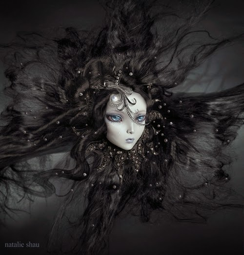 17-Natalie-Shau-Surreal-Photographs-and-Illustrations-www-designstack-co