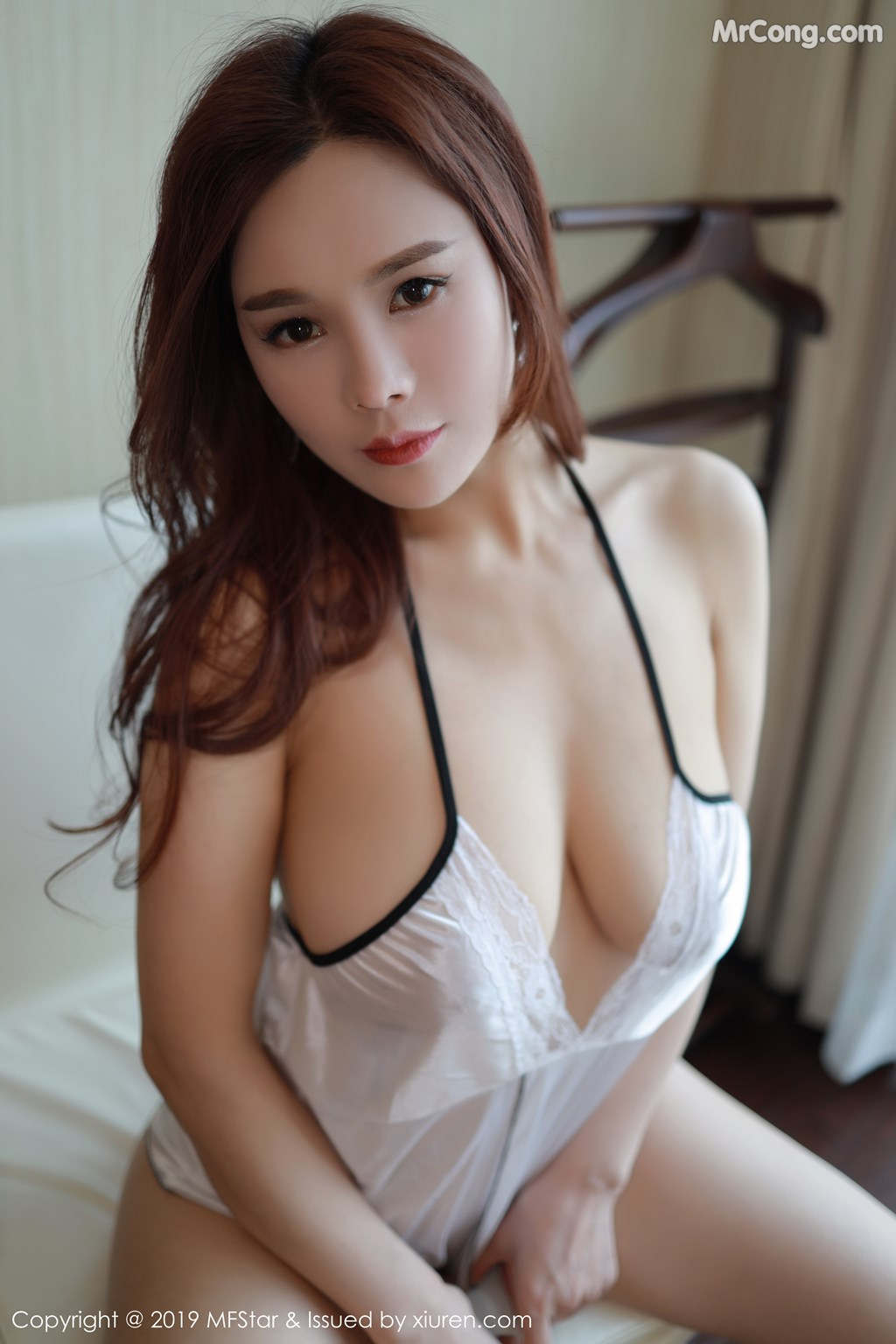 Image MFStar-Vol.185-201712-MrCong.com-005 in post MFStar Vol.185: 胡润曦201712 (41 ảnh)