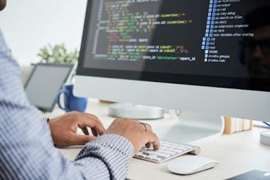 Karyawan IT Support