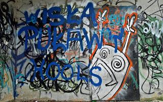 http://fotobabij.blogspot.com/2016/01/graffiti-3-w-parku-czartoryskich.html