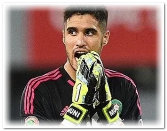 الحارس المغربي منير المحمدي يوقع في صفوف فريق هاتاي سبور