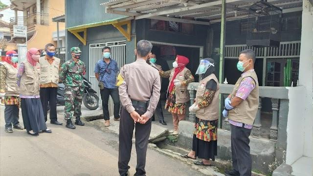 Kodim 0410/KBL Dampingi Tim Puskesmas Ke Kelurahan Durian Payung