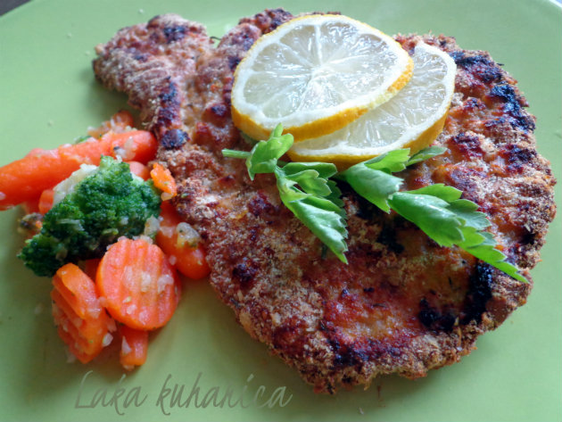 Baked schnitzels by Laka kuharica: healthier and aromatic version of everyone's favourite dish.