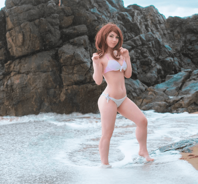 uraraka ochacho cosplay in beach