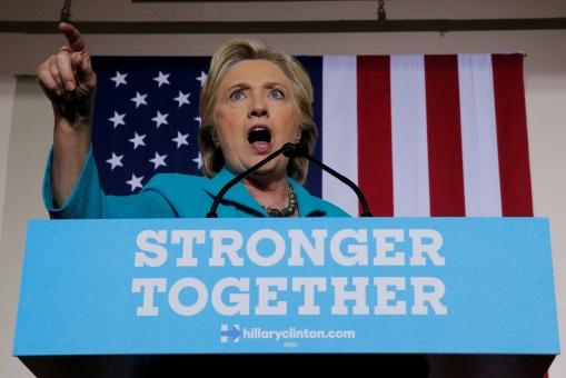 Clinton lamenta no haber evitado victoria de Hamás en Palestina