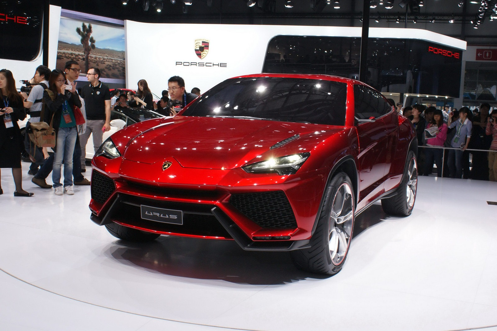 lamborghini committed to making urus the world 39 s fastest suv carscoops. Black Bedroom Furniture Sets. Home Design Ideas