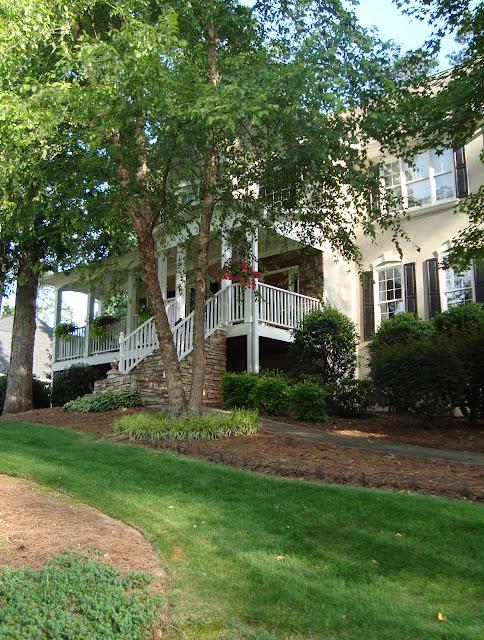 Cottage sytle home tour in Atlanta - Debbiedoos
