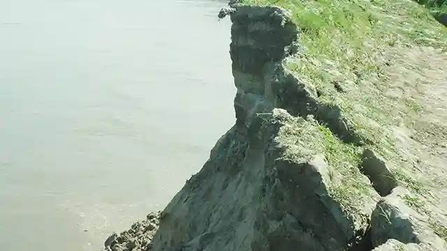 কাজিপুরে যমুনার ভাঙন তান্ডবে চরাঞ্চলের অর্ধলক্ষ মানুষ
