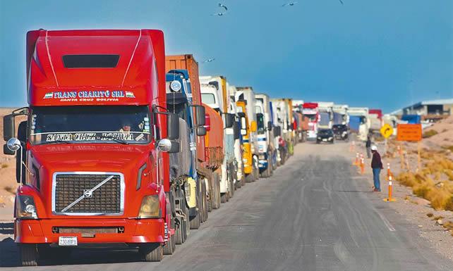 Transporte internacional pide a bloqueadores liberar las carreteras para transportar su carga