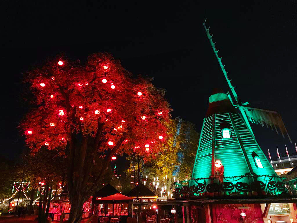 Tivoli Halloween at night