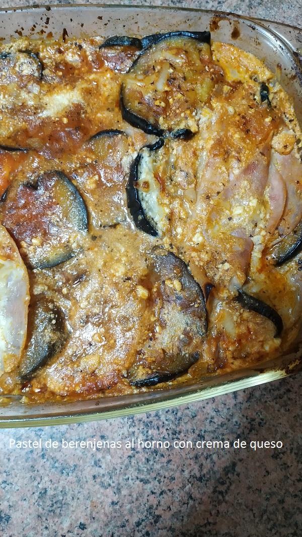 Pastel de berenjenas al horno con crema de queso