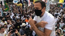 Manifestantes vão às ruas pelo país em atos contra Bolsonaro