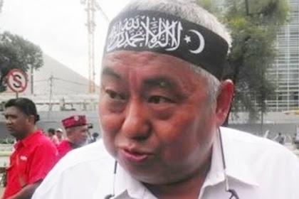 Ditengah Riuh Penurunan Baliho, Tokoh Tionghoa Malah Pasang Baliho Bareng HRS, Apa Maksud?