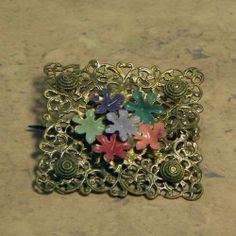 1930s vintage flower brooch