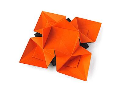 Origami, foto 2: Fiore o Stella 3 - Flower or star 3 © by Francesco Guarnieri