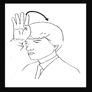 Mão em B simulando capacete