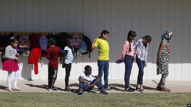Escuelas para niños refugiados de todo el mundo en EE.UU.