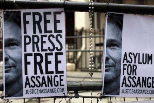 Ecuador acuerda con EE.UU entregar todos los documentos de Assange dejados en embajada de Londres