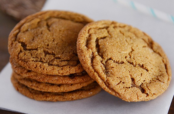 SOFT AND CHEWY GINGER MOLASSES COOKIES #desserts #cakes #cookies #soft #pumpkin