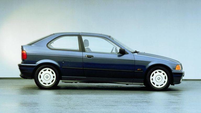 طراز BMW 323ti