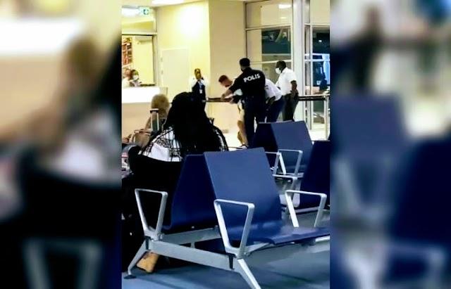 Vídeo muestra agresión policial a turista en Aruba