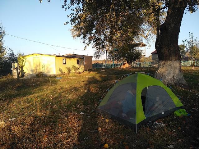 pod namiotem w Azerbejdżanie, namiot, Azerbejdżan
