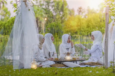 Perkembangan Agama dan Sifat-Sifat Keberagamaan pada Masa Dewasa