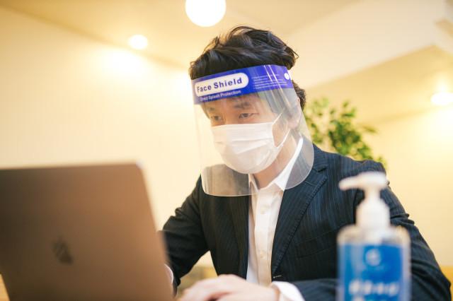 Pemerintah Tokyo Mempertimbangkan untuk Memberikan Denda kepada Orang yang Sengaja Keluar saat Terinfeksi COVID-19