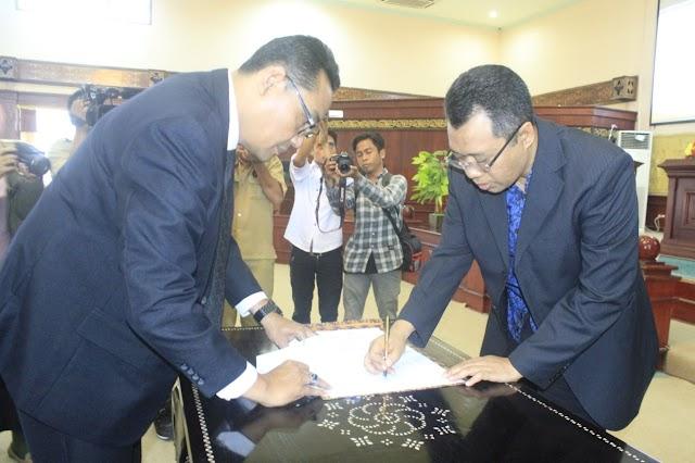<b>DPRD dan Gubernur Setujui APBD 2019 Sebesar Rp5,2 Trilyun</b>