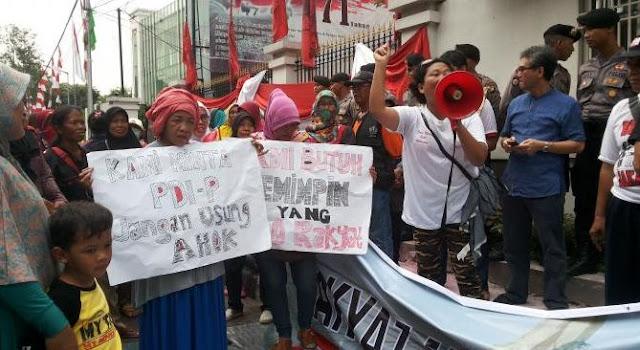 Warga Demo Tolak Ahok sebagai calon Gubernur DKI dari PDIP