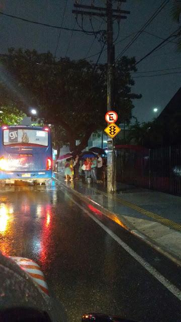 Amarv reivindica abrigo de ônibus para Rua João Gomes