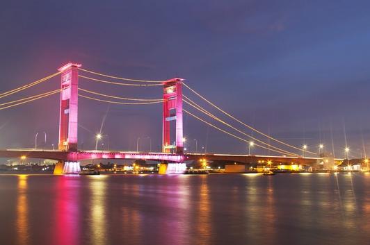 destinasi-wisata-palembang-jembatan-ampera
