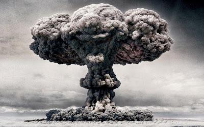 La Russia attaccherà  ISIS con armi nucleari in risposta all'attentato aereo
